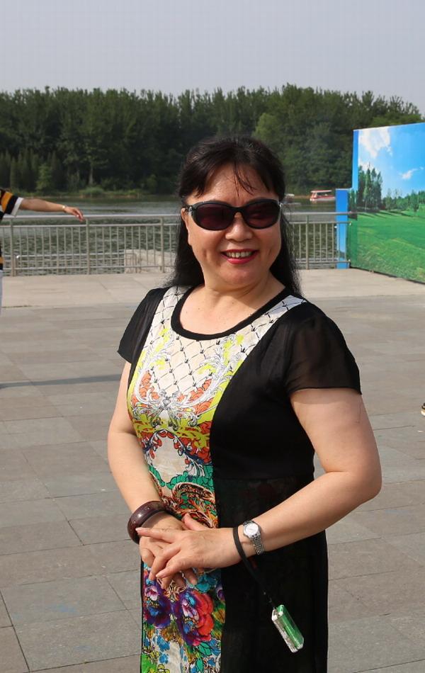 """2016年6月1日刘云与自己的学生们一起过""""六一""""儿童节"""